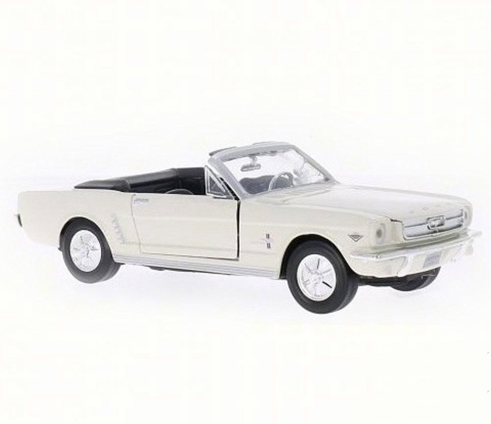 1:18 1964 ½ Ford Mustang  Convertible (White) MM73145WH